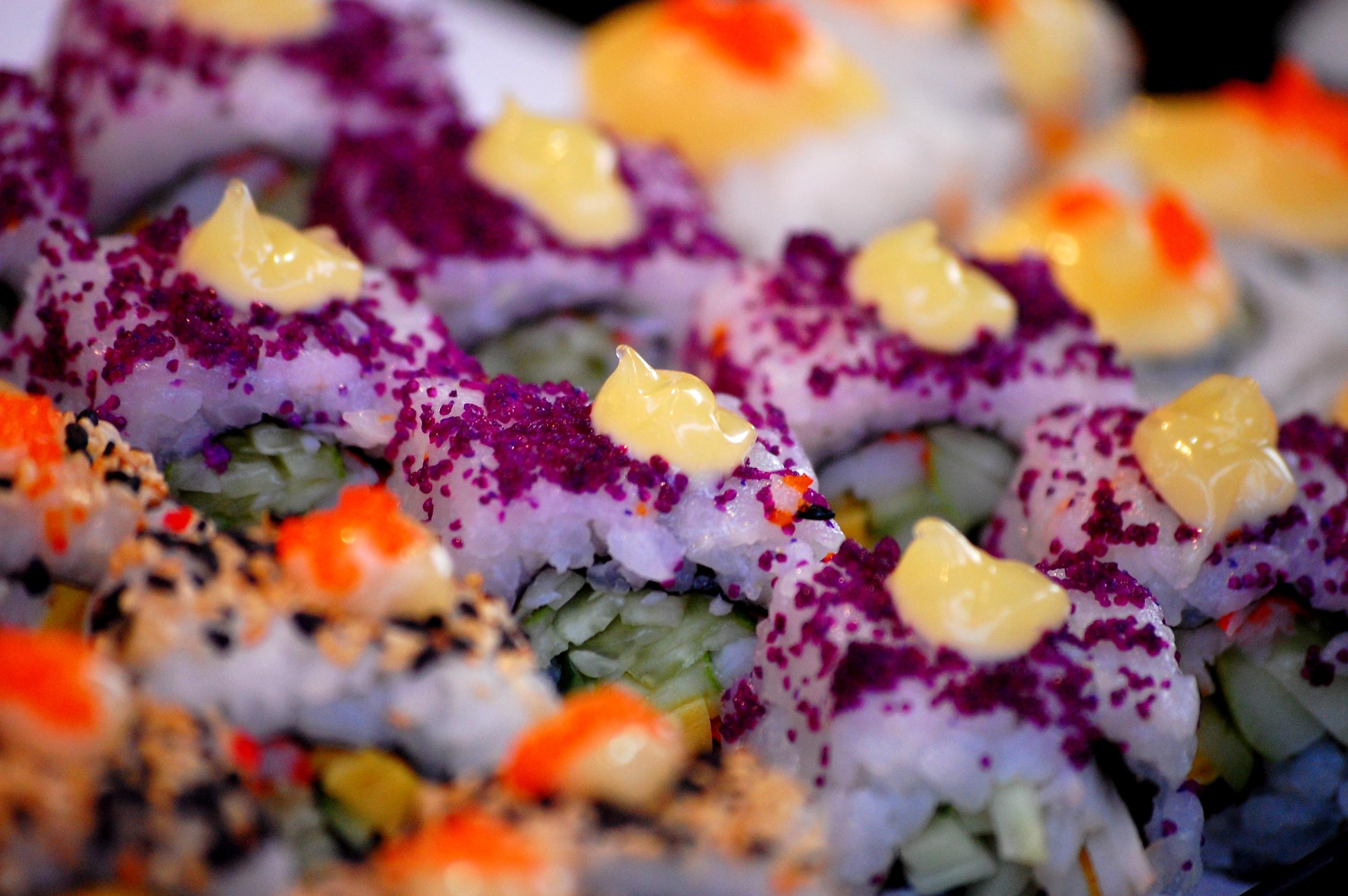 8 modi per mangiare in viaggio spendendo poco dallo street food al dumpster diving